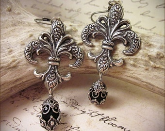 Black Fleur de Lys Earrings, Renaissance Jewelry, Fleur de Lis, Marie Antoinette, Renaissance Earrings, Tudor