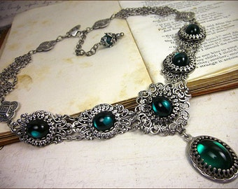 Emerald Renaissance Necklace, Green Victorian Jewelry, Bridal Jewelry, Medieval Wedding, Ren Faire Garb, Handfasting, Lucia