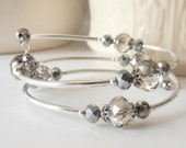 Memory Wire Bracelet, Gray Crystal Bridesmaid Bracelet, Beaded Bangle, Modern Jewelry, Gift for Bridesmaid, Gift for Sister