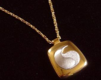 crown Trifari Modernist pendant Necklace Lanvin era