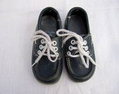 Vintage Loafers for Children . Navy Blue & White . Size 7 . Boys / Girls . Leather