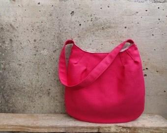 Fuchsia handbag medium size. Pink shoulder bag with inner pockets. Fabric bag called Tulip Bag