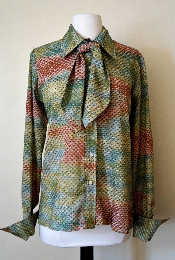 Vintage print blouse with tie / shirt / button down