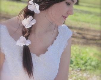 Bridal Flower Hair Pins Woodland Wedding Hair accessory Blush Pink, Peach, White, Ivory Hydrangea Pearl Crystal Hair Flower Bridal Hair pins