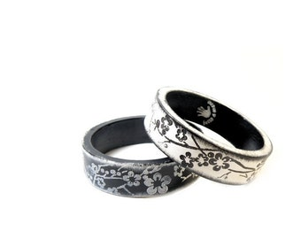 Asian set of bracelets in Black & White with floral texture