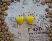 Girly Plugs Yellow Heart Gauges