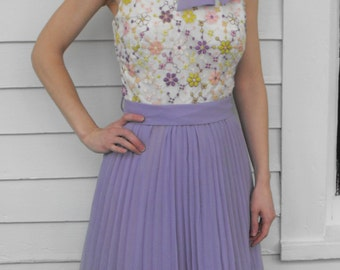 Vintage 60s Party Dress Lavender Pleated Sleeveless Embroidered Floral XS 1960s