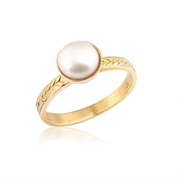 Pearl Wedding Rings: Vintage Style Pearl Engagement Ring 14k Gold Elegant