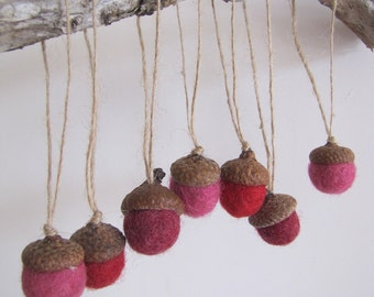 LOVE Set of 7 Handmade Felt Acorns Ornaments in Red and Pink - Home Wedding Decor