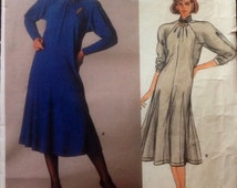 Vintage JEAN MUIR  80's Flared Pullover Dress Pattern Vogue Designer Original Raglan Sleeves