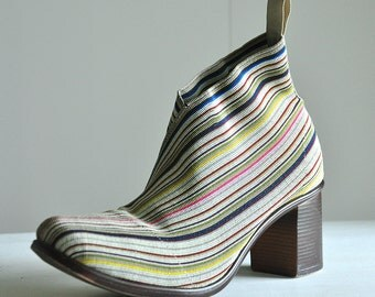 Gorgeous elastic boot for women, size 8, striped and colourful, beige