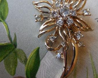 Vintage Gold Tone & Rhinestone Flower Brooch