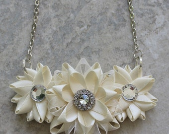 Ivory Necklace, Cream Necklace, Off White Necklace, Ivory Flower Necklace, Handmade, Ivory Bridesmaid Jewelry, Cream Bridesmaid Necklace