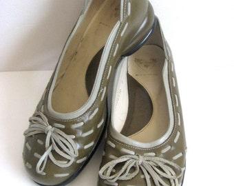 90s John FLUEVOG Vintage Shoes Green Gray Leather 1990s Flat Slip On Shoes 6