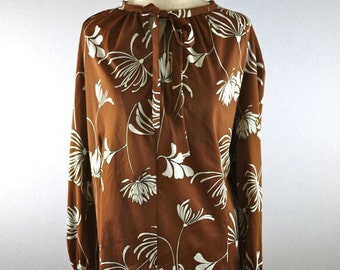Brown and White Chrysanthemum Bow Blouse