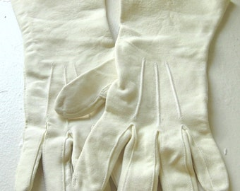 1960s Vintage Mid Century Ivory Kid Leather Gloves