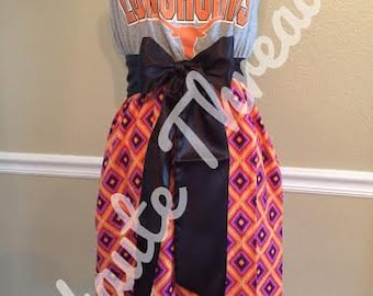 UT Texas Longhorns College Gameday Orange & Purple Geometric Tube Strapless T-Shirt Dress with Black Bow Sash - Small