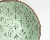 extra large plate. stoneware platter. round. pastel green. woodland tree pattern. table centerpiece. wall hanging plate. karoArt ceramics.