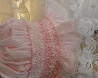 Baby Bonnet. Smocked Bonnet. Pink Seersuker. Girl Bonnet. Bonnet. Easter Bonnet.  Duck.