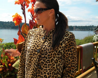 Faux fur leopard cropped jacket / coat