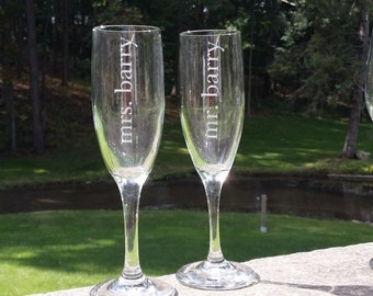 Wedding champagne flutes, Etched Mr. and Mrs. wedding toasting flutes, champagne glasses for bride and groom