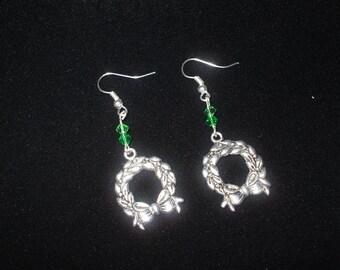 Dangle Earrings: Christmas Wreath