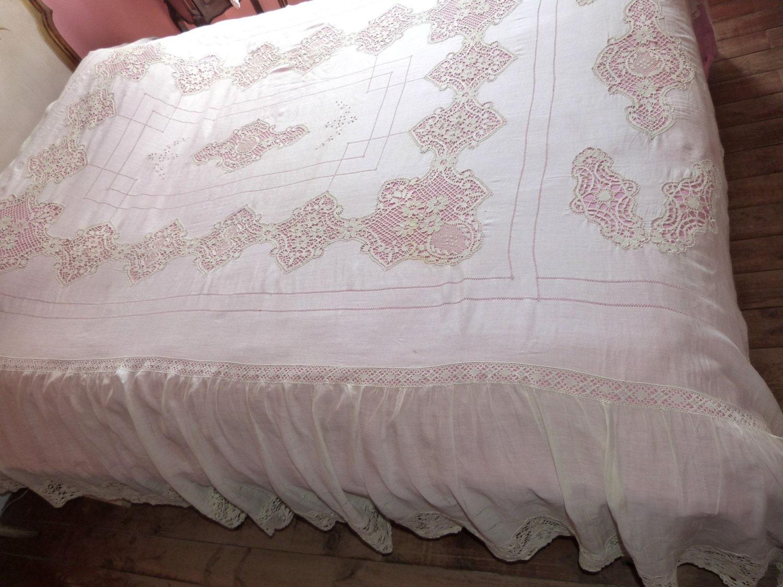 l 39 aiguille la main antique fran ais dentelle couvre lit. Black Bedroom Furniture Sets. Home Design Ideas