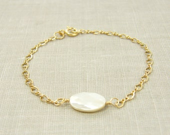 White Mother of Pearl Bracelet, White Shell Bracelet, Gold Chain Bracelet Minimalist Simple Everyday Jewelry |BC1-32