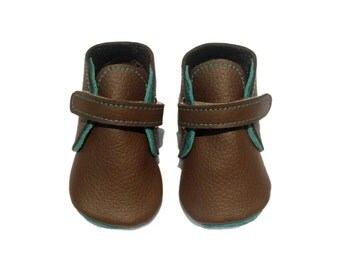 Handmade lambswool lined leather baby shoes.  Chocolate brown and jade green soft soled baby booties.  Crib Shoes.