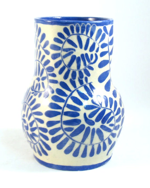 Hand Built VASE SGRAFFITO Pottery Blue & White LEAFY Vine Design Porcelain