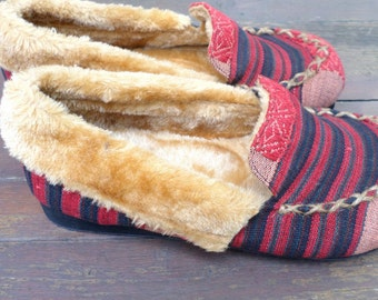 Plush Men's Slippers In Tribal Naga Ethnic Textiles - Riley