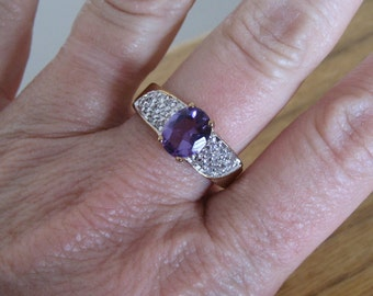 Vintage gold amethyst ladies ring.  Silver accents.  Estate. New old stock.
