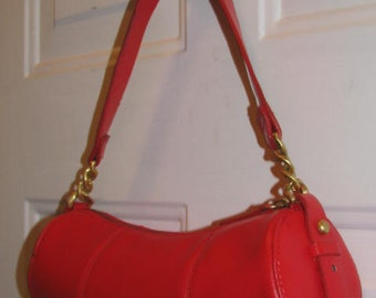 Simple and Chic 90's RED BAGUETTE // Vintage Preppy Round Barrel Clueless Purse GOLD Chain Link Strap Runway Hip Hop