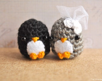 Amigurumi Penguin, wedding gift, bride and groom, cute keychain, Mr & Mrs, penguin cake topper, bridal shower gift, MADE TO ORDER