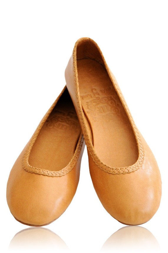 AISÉ. Leather flat shoes / leather ballet flats / bridal / womens shoes flats. Sizes: US 4-13. Available in different leather colors.