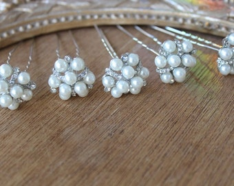 Beautiful  silver color hair pin  with sparkling rhinestones and pearls  2  pieces listing