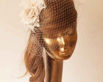 Ivory  BIRDCAGE VEIL with Cream Flower, Vintage Style Bridal FASCINATOR.