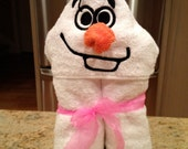 Olaf Snowman Frozen Inspired Hooded Bath Towel with Washcloth