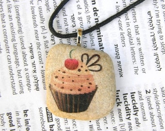 cupcake necklace,cupcake,bakery necklace cupcake Jewelry baker gift necklace children jewelry teen necklace decorated rock stone art gift