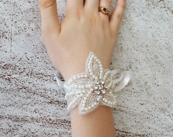 Floral Pearl Bracelet. Bride wrist corsage. Bridal cuff. Bridesmaid gift. Bridesmaid bracelet, maid of honour