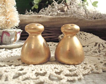 Vintage Salt and Pepper Shakers / O E & G Royal Austria / Gold Encrusted Salt and Pepper / Collectible