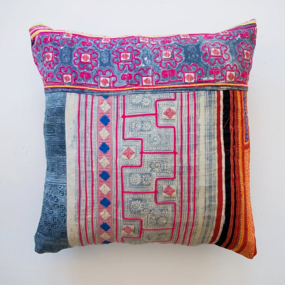 Traditional Korean Pillow : A cushion cover vintage Korean fabric. Embroidered Printed