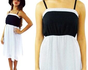 Vintage 80s Chevron Black and White Short Cute Mini Dress