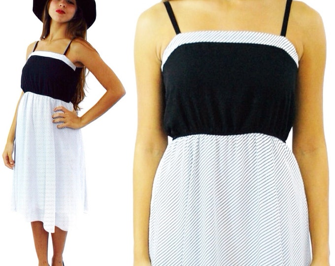 Vintage 80s Chevron Black and White Short Cute Mini Dress