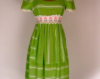 Late 1960s Suzy Perette by Victor Costa White and Green Stripe Dress w/ Crochet and Daisies