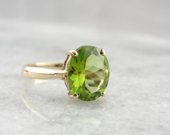 Bright Grass Green Peridot Vintage Ring in Lush Yellow Gold KDX3W3-D