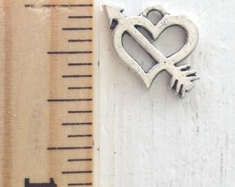 5 pcs, arrow through heart charm