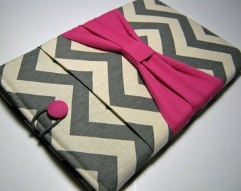 Macbook Pro Sleeve, Macbook Pro Cover, 15 inch Macbook Pro Cover, 15 inch Macbook Pro Case, Laptop Sleeve, Gray Chevron w/ Pink Bow