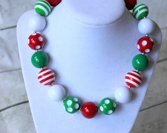 Christmas girls necklace. Red green white chunky necklace for toddler baby girl. Bubblegum beaded necklace.