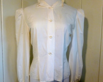 1970s Vintage off-white Blouse